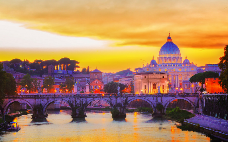 Looking for some amazing and free itineraries of Rome? Check out these tried and tested FREE Walking Tours of the eternaal city and be sure you don't miss any of the City's best sights! | Travel Tips | Eternal City | Walking Tours of Rome | Itineraries of Rome | Italy Travel | Italy Vacation |