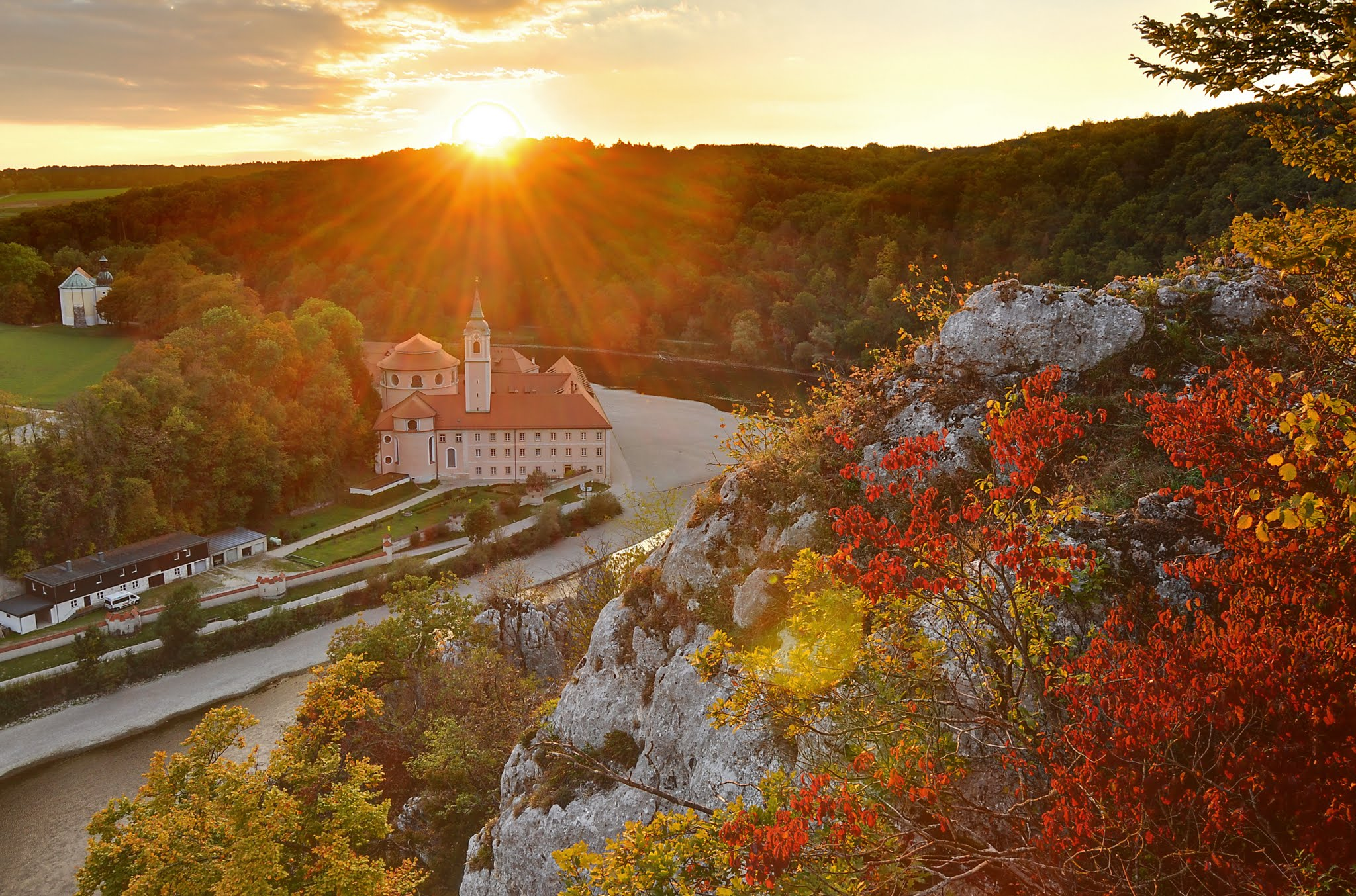 THE MOST BREATHTAKING SIGHTS IN BAVARIA, GERMANY – A detailed list of things to do while visiting in Bavaria. These insider tips from a Bavarian will help you make the most of your trip when visiting Germany. Motherslittlehelpers.net #travelbavaria #travelgermany #traveltips #traveleurope #travel