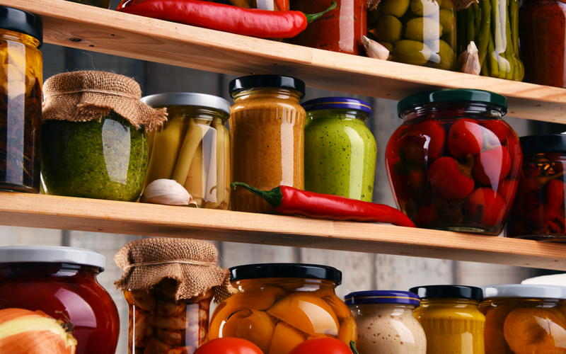 WAYS TO ORGANIZE FOOD CABINETS - Want to get rid of the chaos in your kitchen cupboards? Check out these food storage ideas to help you find the best way to organize your food cabinets, drawers, and pantry. Motherslittlehelpers.net #foodstorage #organization #kitchenorganization